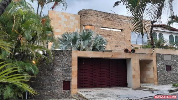 Casa En Venta En Los Chorros Mls #19-16592