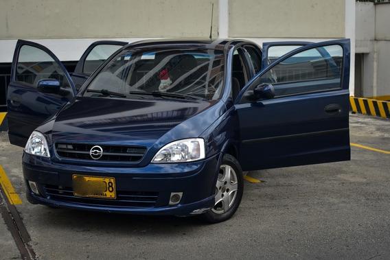 Corsa Evolution 4 Puertas - 2003 - Cel: 3166946843 Placa