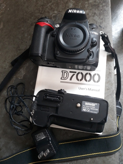 Corpo Nikon D7000 Mais Grip Recarregável