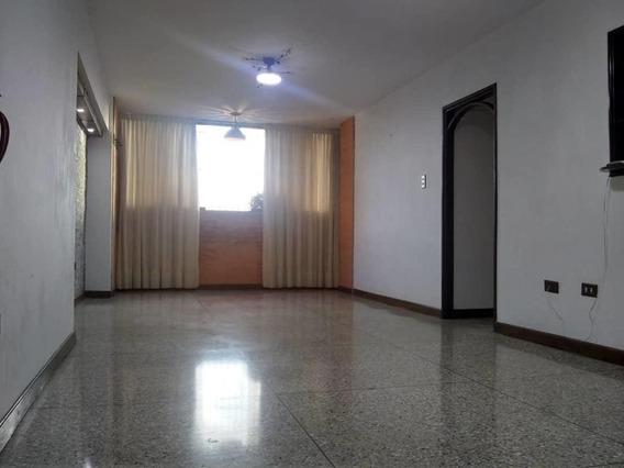 Apartamento En Venta Barquisimeto 20-5244 Rwh 04145450819