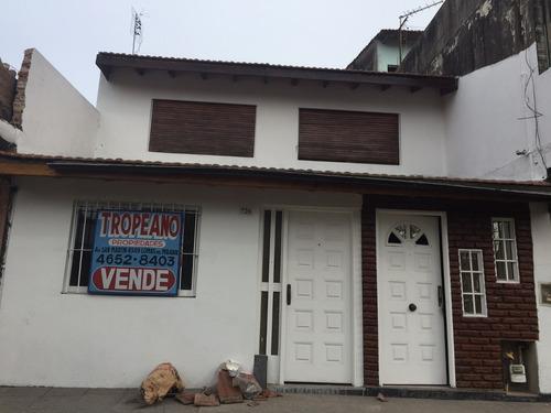 Dos Duplex Tipo Casa En Venta.5 Ambientes Al Frente Madero