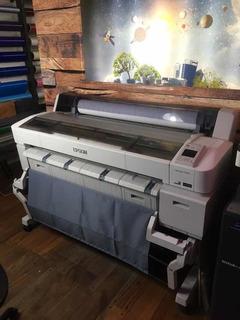 Impresora Plotter Epson Surecolor T7270