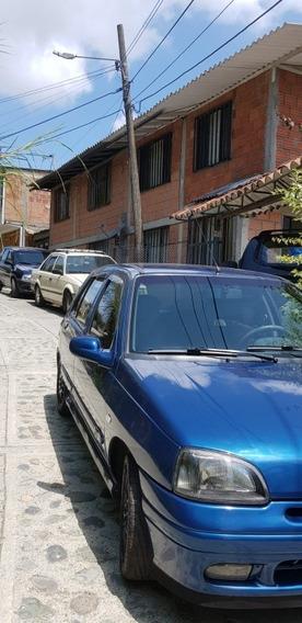 Renault Clio 8.200.000
