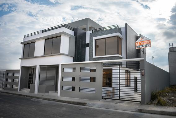Casa Por Estrenar, 3 Habitaciones, 4 Baños.