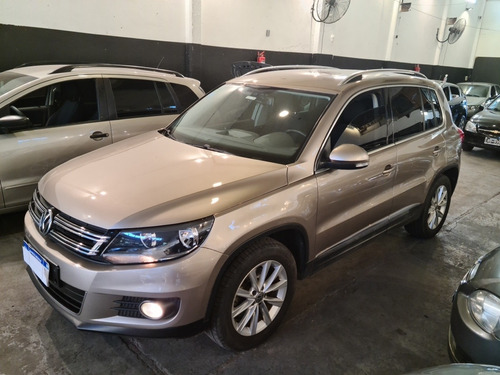 Volkswagen Tiguan 2.0 Sport & Style Tsi 200cv 2014