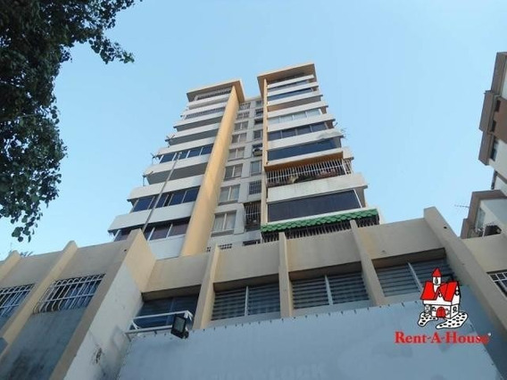 Apartamento Tipo Estudio Andres Bello Cod. 20-4423