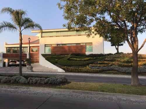La Vista Country Club