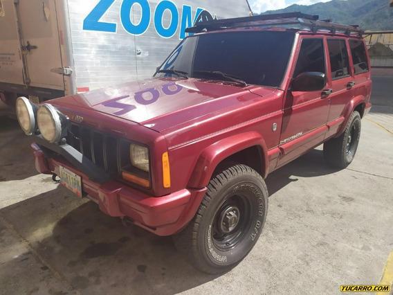 Jeep Cherokee Rustico