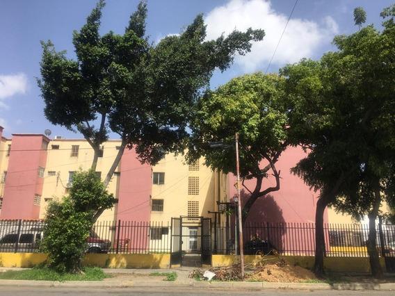 Stephanie Rentahouse Lara Vende Apartamento Barquisimeto 20-19358