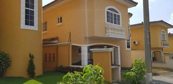 Casa En Venta En Altos De Panamá *19-6122hel*