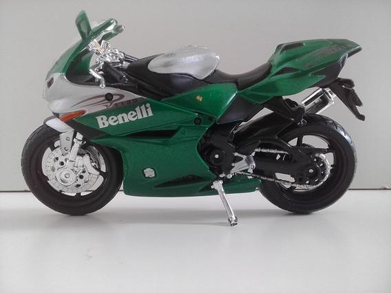 Miniatura Moto Benelli Tornado Tre 1130 Verde Escala 1.18