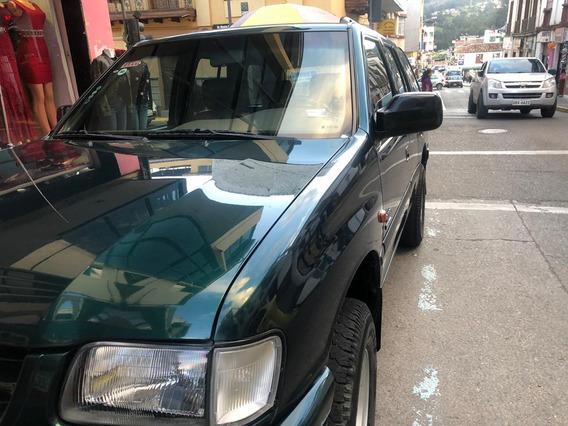 Vendo Rodeo V6, Excelente Estado