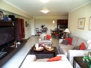 Alquiler De Bello Apartamento En La Alameda / Ac 20-20391