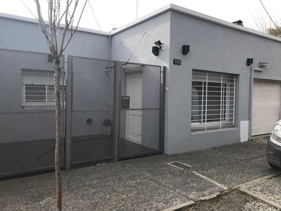 Casa Totalmente Refaccionada A Nuevo!!! Amplio Living Comedo