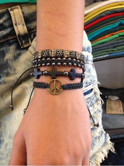 Kit De Pulseiras Femininas Masculinas Crucifixo E Paz