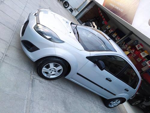 Imagem 1 de 8 de Ford Fiesta 1.0 Mpi Hatch 8v Flex 4p Manual