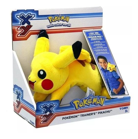 Pelúcia Pokémon Pikachu De Ombro 20 Cm Com Som Original Tomy