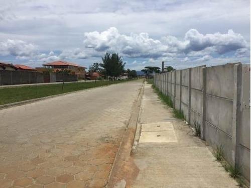 Terreno  Para Construtores  Esquina ,murado . Ref. .0205 L C