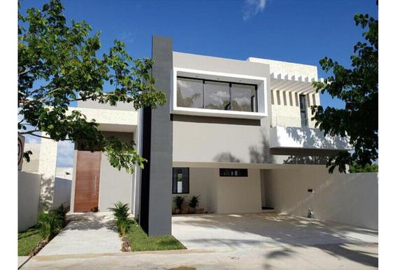 Estrena Residencia En Privada Solasta, Equipada. Temozón Norte 4 Habitaciones.