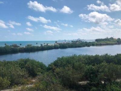 Terreno A La Venta En Puerto Cancún, A Un Costado De La Laguna