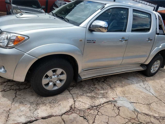 Toyota Hilux 3.0 Srv 4x4 Manual