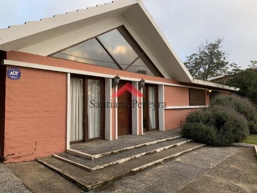 Muy Linda Casa En Punta Del Este- Ref: 6871