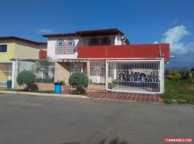 Casas En Venta Cumana. Av Cancamure Urb Los Angeles