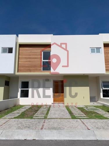 Casa En Renta De 3 Hab+ Sala De Tv En Valle De Juriquilla