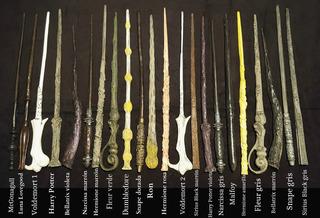 Varita Harry Potter Hermione Sauco Malfoy 35cm Ollivander Hp