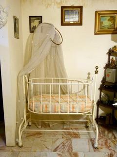 Cuna Para Bebe Antigua Hecha De Fierro Y Latón Siglo Xix