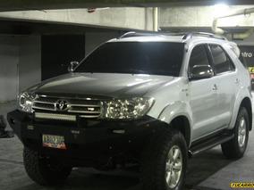 Toyota Fortuner Srs