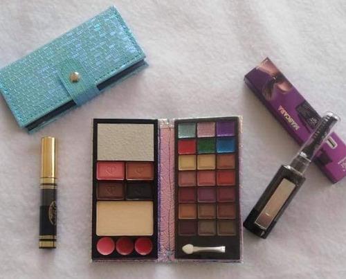 Imagen 1 de 4 de Combo De Maquillaje - Unidad a $30000