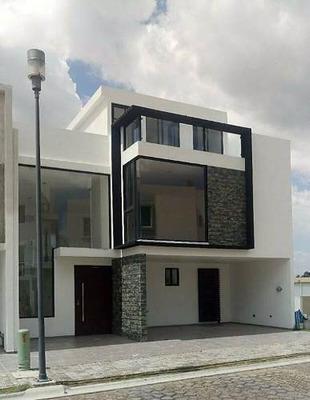 Casa En Venta Muy Cerca De Sonata!!!
