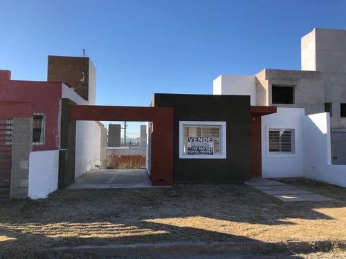 Casa 2 Dormitorios A Estrenar - Apta Crédito -la Calera - B°