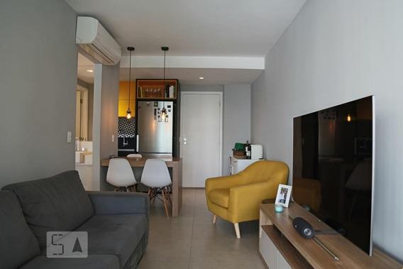 Studio No 4º Andar Com 1 Dormitório E 1 Garagem - Id: 892950437 - 250437