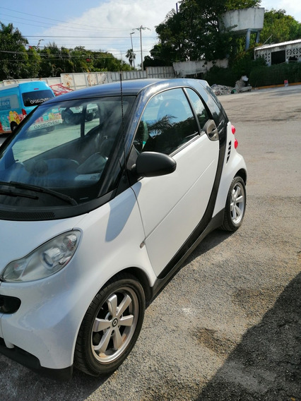 Smart Fortwo Coupe Black And Whit
