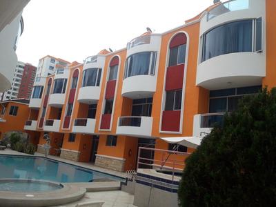 Casa De 4 Dormitorios En Tonsupa Av. Club Del Pacifico