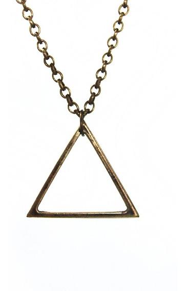 Colar Com Pingente Triângulo