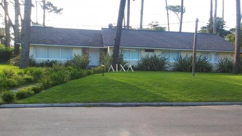 Casa En Punta Del Este, Mansa- Ref: 312