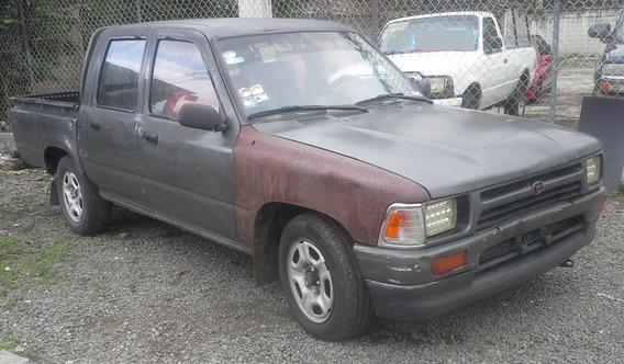Toyota Hilux 2.4d Doble Cabina En La Lata