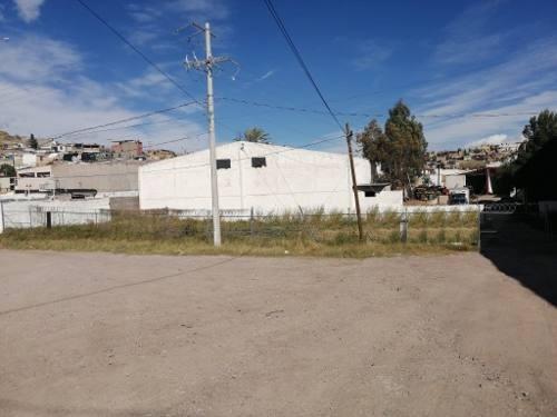 Dos Lotes De Terreno Industriales Con Construcción: 3 Bodegas, Oficinas, Casa Habitación. Uso De Sue