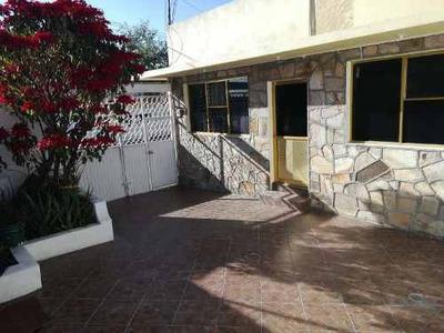 Casa Sola En Venta Col. Venustiano Carranza, Cerca De Prepa 3