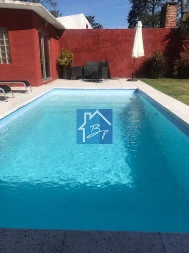 Casa En Venta, Playa Mansa, Punta Del Este- Ref: 976