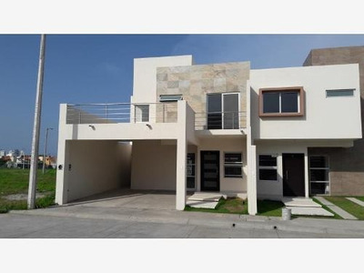 Casa Sola En Renta Fracc: Vista Alta