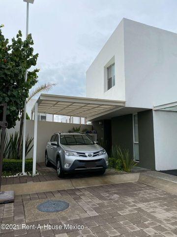 Casa Amueblada Para Renta En Santa Fe De Juriquilla...