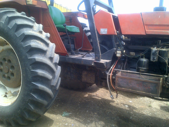 Tractor Con Implementos