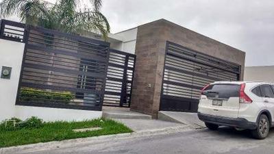 Casa En Renta En Fracc. Vista Real San Pedro Garza Garcia