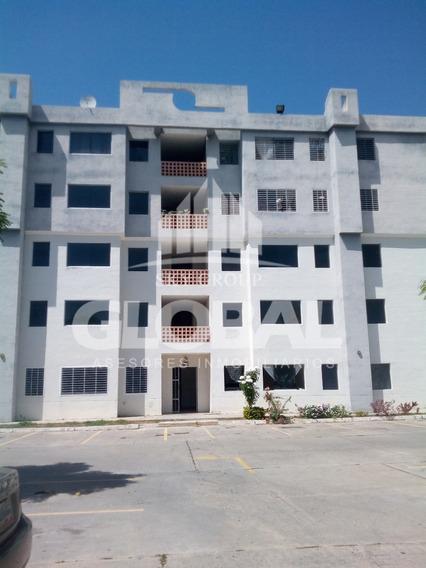 Apartamento En Venta En Los Guayos Residencia Rio Caroní