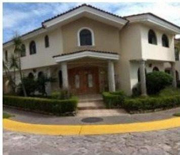 Zapopan Jalisco, Vendo Hermosa Casa En Jardines Universidad