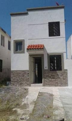 Se Vende Casa En Jardines De Villa Juarez, Juarez N.l